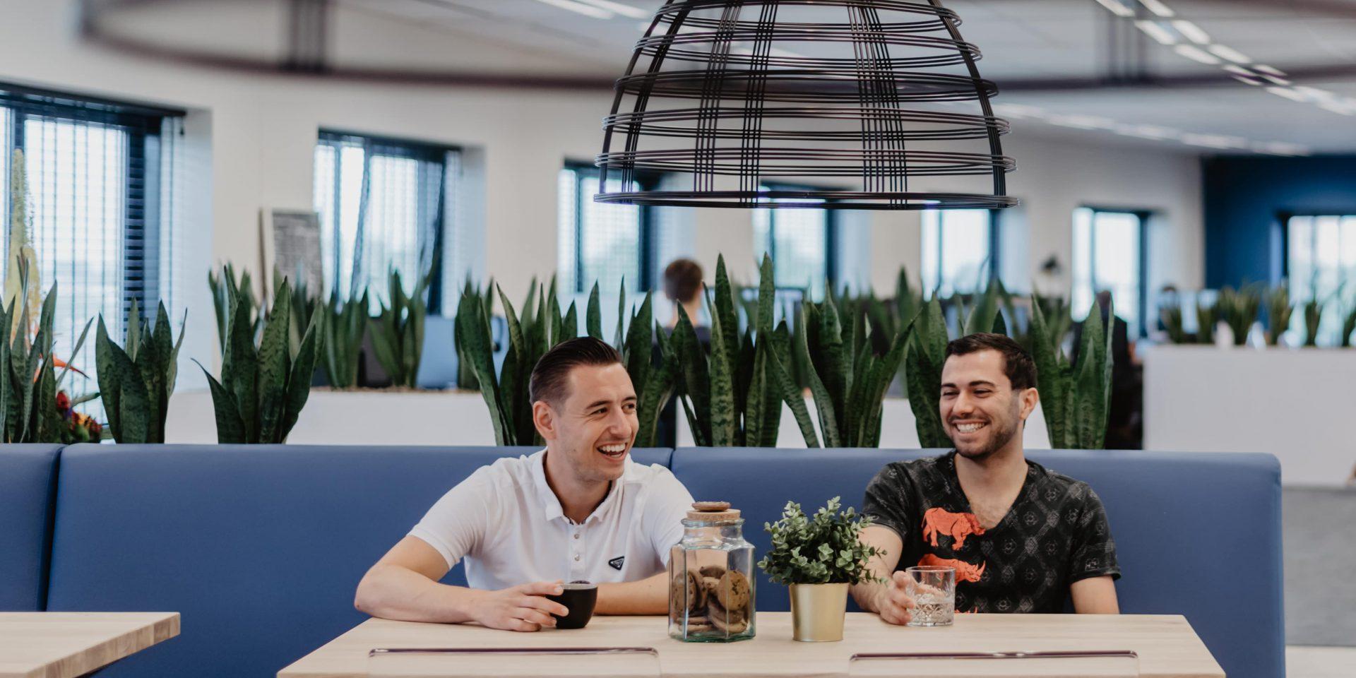Medewerkers van Freelancefactoring aan de lunch tafel
